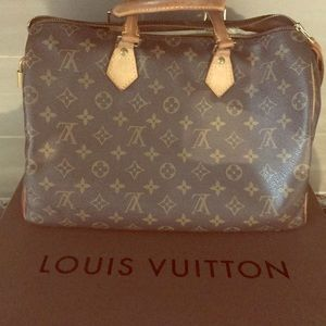 Louis Vuitton Speedy 35 handbag with shaper inside